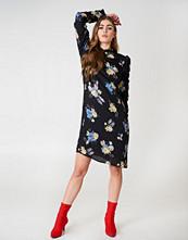 Gestuz Aia Dress - Midiklänningar