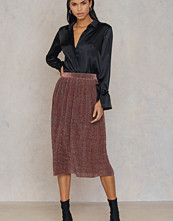NA-KD Party Pleated Glittery Skirt