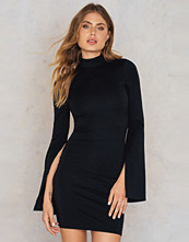 NA-KD Party Open Sleeve High Neck Dress