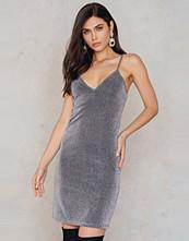 NA-KD Party Glittery Slip Dress - Miniklänningar