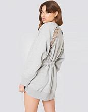Tommy Hilfiger Gigi Hadid Open Back LS Sweatshirt Dress