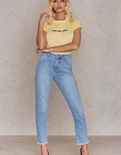 NA-KD Trend Two Tone Pocket Raw Hem Jeans