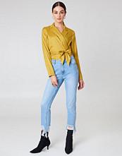 NA-KD Trend Ripped Hem Jeans