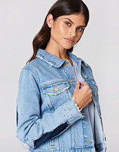NA-KD Two Toned Cut Out Sleeve Denim Jacket - Jackor