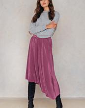NA-KD Party Pleated Asymmetric Midi Skirt - Midikjolar