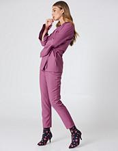 NA-KD Classic High Waist Suit Pants rosa