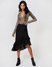 NA-KD Trend Lace Frill Midi Skirt