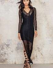 NA-KD V-neck Lace Dress