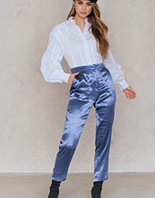 NA-KD Party Metallic Straight Pants