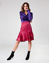 NA-KD Party Shiny Frill Skirt - Midikjolar