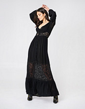 Boohoo Lace Maxi Dress