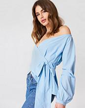 NA-KD Trend Slip Shoulder Tie Waist Shirt