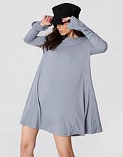 Glamorous Ruched Sleeve Dress