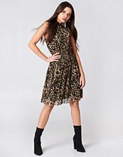 NA-KD Trend Mesh Smock Dress