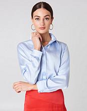 NA-KD Long Sleeve Satin Shirt