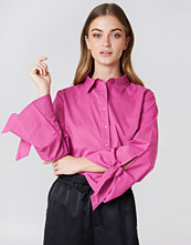 NA-KD Tied Sleeve Shirt rosa