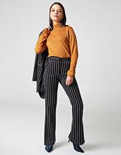 NA-KD Trend Side Slit Suit Pants