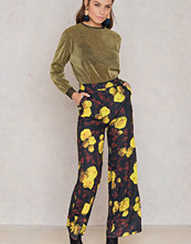 NA-KD High Waist Flared Pants multicolor