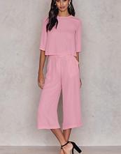 NA-KD Flared Culotte Pants rosa