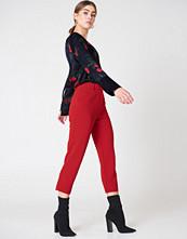 NA-KD Trend Raw Hem Pants röd
