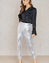 NA-KD Party Sequins Ankle Pants silver