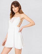 Debiflue x NA-KD Tied Up Mini Dress