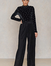NA-KD Party Glittery Pleated Pants