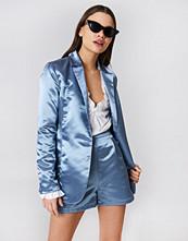 NA-KD Trend Shiny Satin Blazer - Jackor