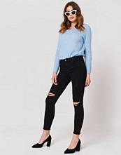 Trendyol Tear Detail Jeans
