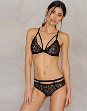 NA-KD Lingerie Lace Strappy Breifs