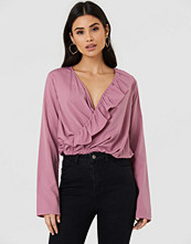 NA-KD Boho Asymmetric Frill Long Sleeve Blouse rosa