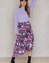 NA-KD Trend Bottom Frill Satin Midi Skirt