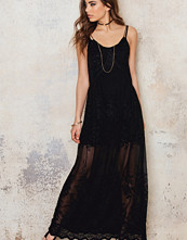 NA-KD Boho Embroidery Chiffon Long Dress