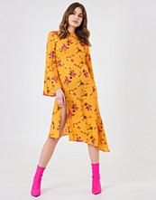 NA-KD Trend High Slit Asymmetric Midi Dress