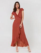 FAYT Brady Dress - Midiklänningar