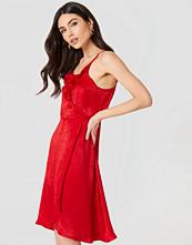 Rut&Circle Hanna Frill Dress röd