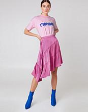 NA-KD Shiny Asymmetric Skirt