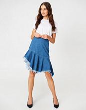 NA-KD Raw Hem Midi Denim Skirt