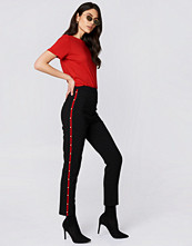 Trendyol Pearl Detailed Pants svart
