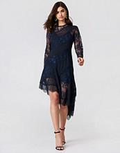 Keepsake Hold On LS Dress