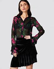 NA-KD Party Velvet Frill Skirt