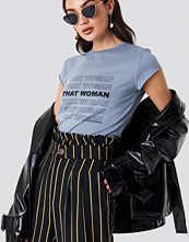NA-KD Urban That Woman Tee