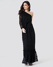 Trendyol Floral One Shoulder Maxi Dress