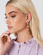 Andrea Hedenstedt x NA-KD Hanging Pearls Earrings