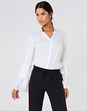 Josefin Ekstr�m for NA-KD Ruffle Sleeve Shirt