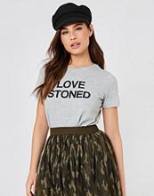 NA-KD Trend Love Stoned Tee