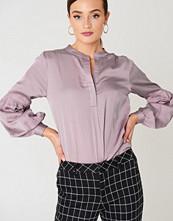 Rut&Circle Tina Puff Sleeve Blouse