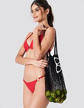 J&K Swim X NA-KD Circle Detai Bikini Panty röd