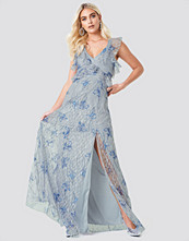 Trendyol Floral Lace Slit Maxi Dress
