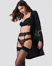 NA-KD Lingerie Romantic Lace Suspender